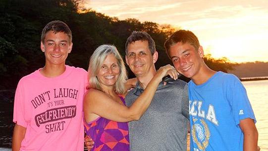 Simon-family-in-Costa-Rica