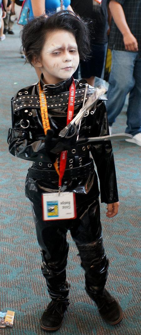Comic_Con_-_Edward_Scissors_Jr.