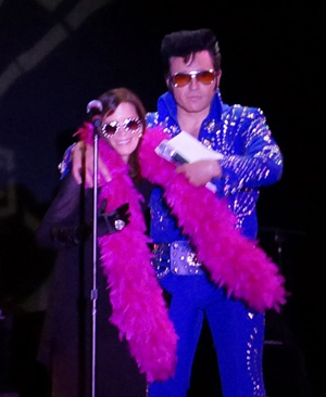 NSC_Cathy_Guisewite_of_Cathy_and_Elvis_at_Reuben_Award_Ceremony_in_Vegas